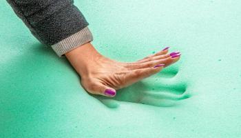 Что такое эффект памяти в матрасах и подушках